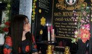 NSƯT Mỹ Châu xúc động viếng mộ người xưa