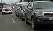Xe cứu thương chở thi thể tông liên hoàn 4 ô tô