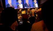 Tranh luận vòng 2: Ông Trump đòi bỏ tù bà Clinton