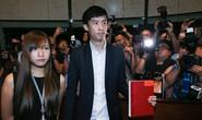 2 nghị sĩ phỉ báng Trung Quốc đại náo Hội đồng Lập pháp Hồng Kông