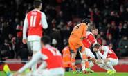 Tottenham thua trận derby London, Arsenal nối dài thất bại