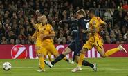 """Suarez """"giải cứu"""" Barcelona, Torres thành tội đồ"""