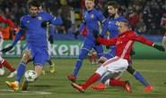 Arsenal mất ngôi đầu, Bayern trắng tay trên đất Nga