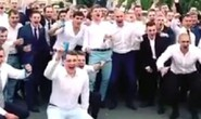 Ăn mừng tốt nghiệp, tân điệp viên Nga để lộ thân phận