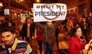 Mỹ: Biểu tình dữ dội sau khi ông Trump thắng