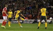 """Xhaka: 4 ngày lập 2 """"siêu phẩm"""" cho Arsenal"""