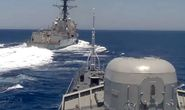 Mỹ đáp trả cáo buộc áp sát nguy hiểm ở Địa Trung Hải của Nga