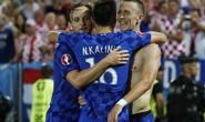 Ronaldo một mình chống Croatia