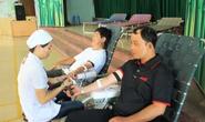 200 CNVC-LĐ hiến máu tình nguyện