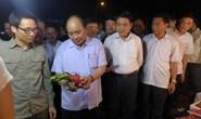 Thủ tướng bất ngờ thị sát chợ Long Biên, ruộng rau sạch Hà Nội