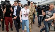 Nữ phi công Ukraine rời nhà tù Nga