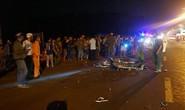 Xe máy đâm đuôi xe tải, 2 thanh niên chết thảm