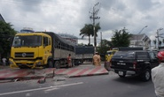 Tông vào xe tải chắn ngang đường, 2 vợ chồng bị thương nặng