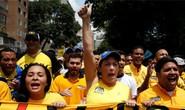 Ghế tổng thống Venezuela thêm lung lay