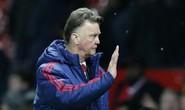 """Van Gaal: Không có chuyện M.U """"đi đêm"""" với Mourinho"""