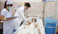 Thầy thuốc hiến máu cứu nạn nhân dập gan