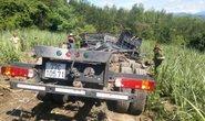 Xe chở sắt lao xuống vực, 3 người tử vong