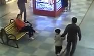 Tình cờ gặp lại con trai bị bắt cóc, cha lao vào giải cứu