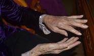 Ở nhà, cụ bà 77 tuổi bị lừa mất 2 tỉ