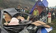 Tai nạn trên cao tốc, tài xế tử vong trong xe 4 chỗ biến dạng
