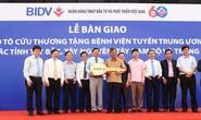 BIDV tặng 46 xe cứu thương cho bệnh viện và cơ sở y tế