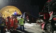Trung Quốc: Xe buýt gặp nạn trong đường hầm, 36 người chết