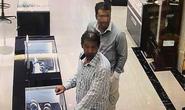 Bắt 2 nghi phạm nước ngoài cuỗm đồng hồ vàng 240 triệu đồng