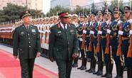 Trước đảo chính vài ngày, tư lệnh Zimbabwe thăm Trung Quốc