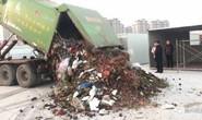 Lật tung 13 tấn rác, tìm nhẫn kim cương hơn 16.000 USD