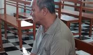 Ghen tuông, cụ ông U70 đánh người tình mù một mắt