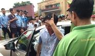 Gây tai nạn, Viện trưởng VKS huyện rời xe với nhiều vết máu