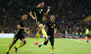 Dự bị lập công, Malaysia tiễn Singapore về nước