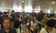 Nghẹt người ở sân bay Tân Sơn Nhất và Bến xe Miền Đông