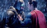 Batman v Superman và Hillary's America là phim tệ hại nhất năm