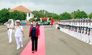 Chủ tịch Quốc hội thăm các đơn vị Hải quân