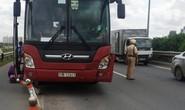 Xe khách Thành Bưởi gây tai nạn liên hoàn trên đường dẫn cao tốc