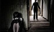 """Bé gái 10 tuổi cấp cứu vì bị """"sàm sỡ"""" vùng kín"""