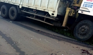 Xe tải chạy đường cấm, tông cháu bé 9 tuổi chết thảm