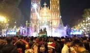 Hà Nội: Mọi đường đến Nhà thờ Lớn tắc nghẽn đêm Noel
