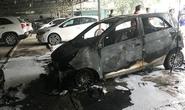 Ô tô bất ngờ bốc cháy ngùn ngụt trong bãi gửi xe