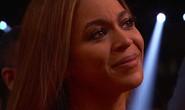 Beyonce rơi nước mắt vì Adele phá tượng Grammy tặng mình