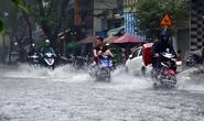 Mưa lớn, đường vào sân bay Tân Sơn Nhất lại kẹt cứng