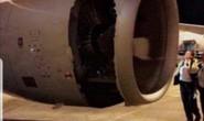 Máy bay thủng lỗ lớn trên động cơ ngay sau khi cất cánh