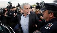 Mourinho nhận tội, trả lại tiền gian lận thuế
