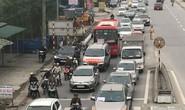 """Ô tô """"diễu hành"""" phản đối việc thu phí ở cầu Bến Thủy 1"""