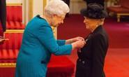 Diễn viên Julie Walters được phong tước Hiệp sĩ