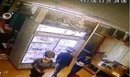 Vụ truy sát trước quán karaoke: Xác định 2 nữ sinh liên quan