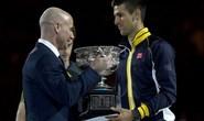Trượt dài phong độ, Djokovic bái sư Agassi