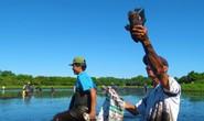 Độc đáo lễ hội phá trằm bắt cá, huyên náo cả vùng đầm nước