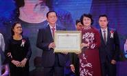 Nệm Vạn Thành vinh dự đón nhận Huân chương Lao động hạng nhì